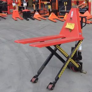 Picture of Narrow 1T Scissor Lift
